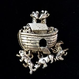 Jewelry - Noah's Ark Pin